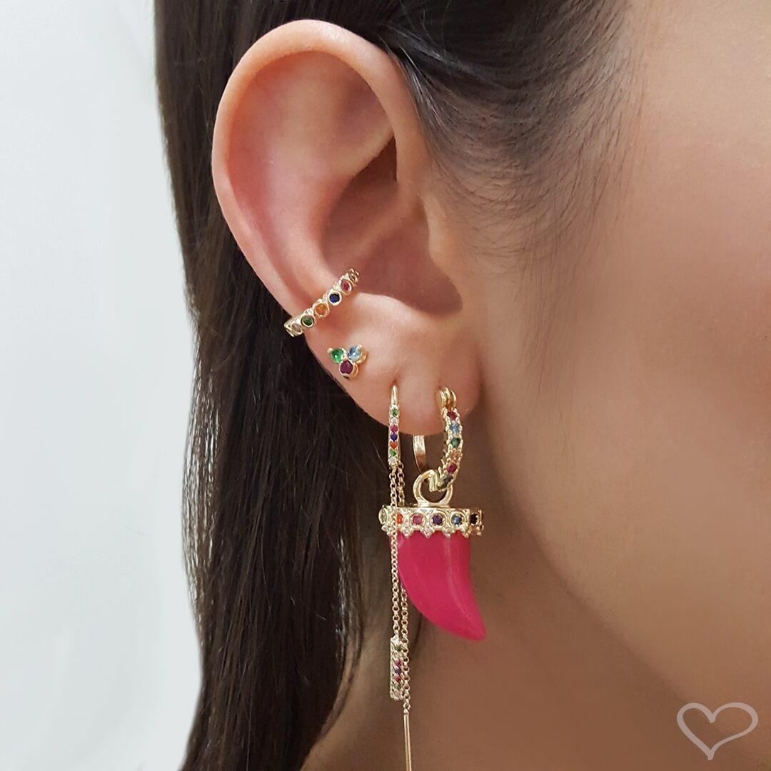 Brinco piuka argolinha candice  dente acrílico pink folheado a ouro 18k
