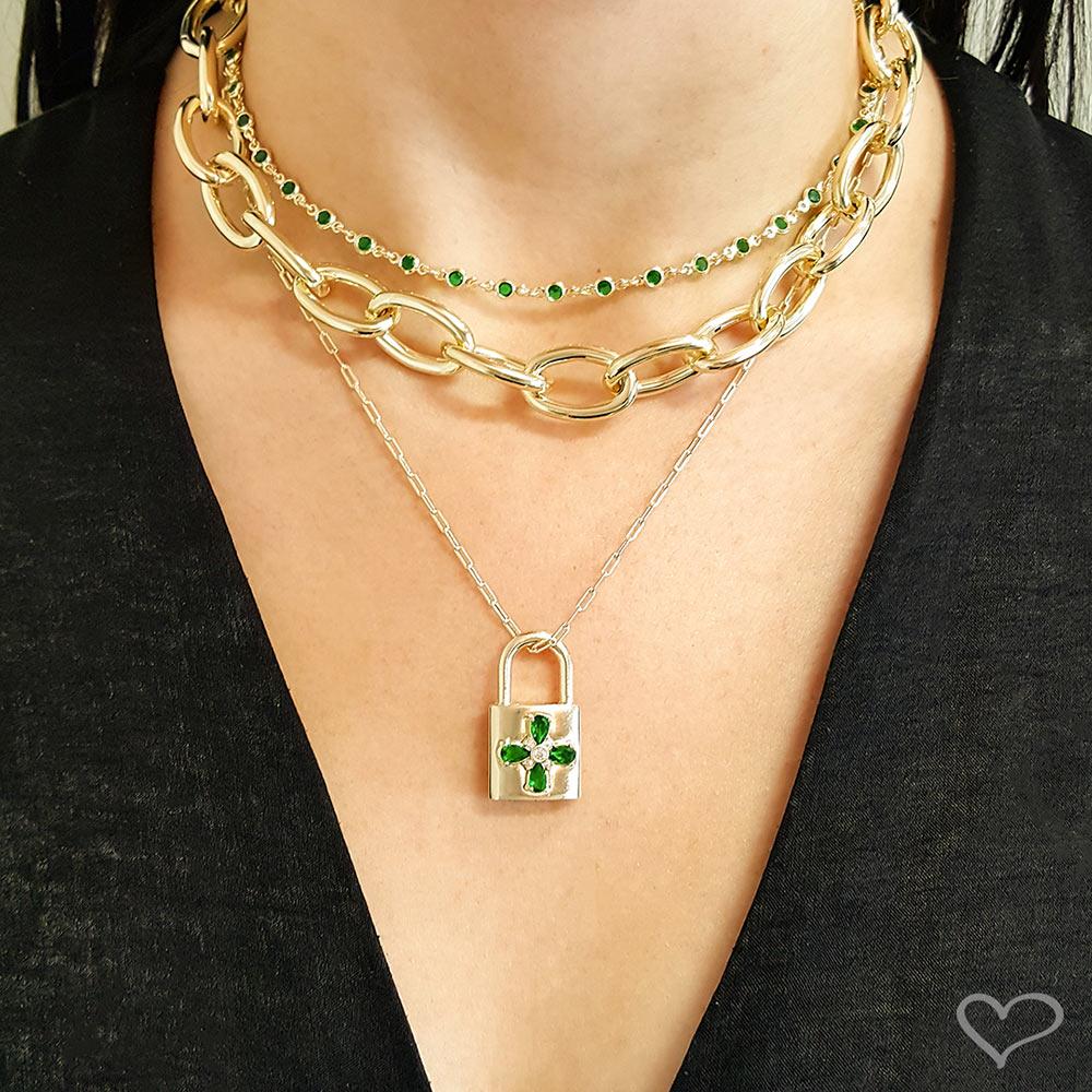 Colar piuka  ariane cadeado flor zircônia esmeralda folheado a ouro 18k