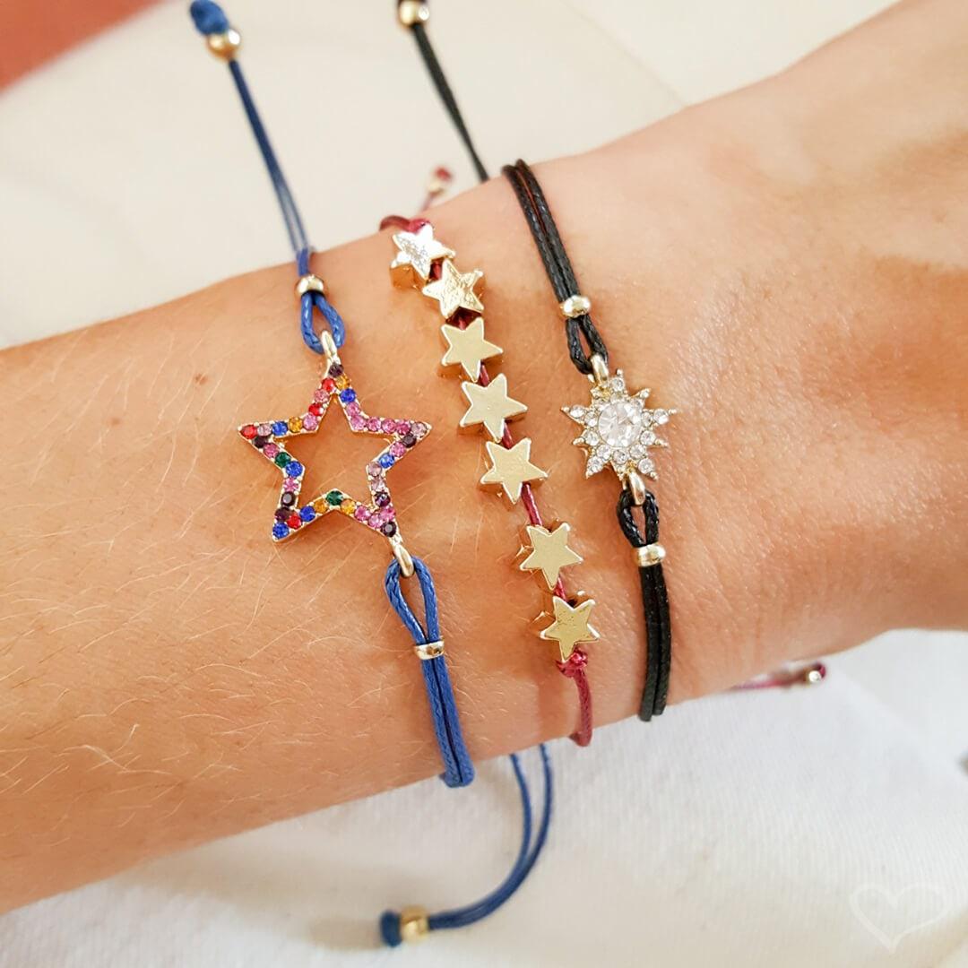 Kit 3 pulseiras piuka alya estrelas coloridas cordão ajustável