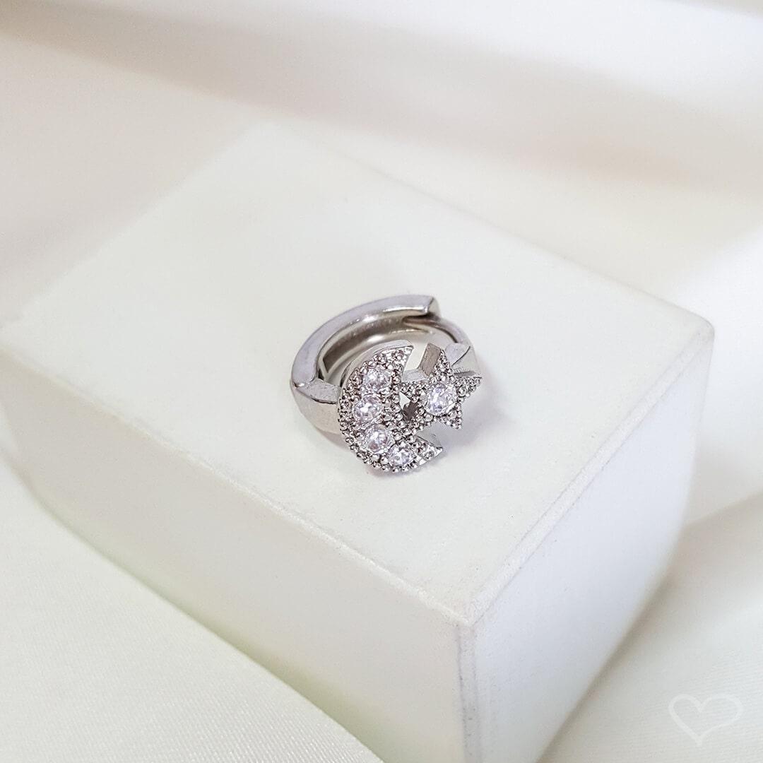 Piercing de furo piuka argola p mini lua e estrela zircônia prata